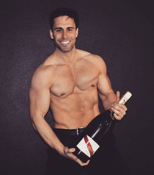 chris Mumm Champagne smile